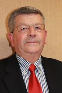 Monsieur Rolland TIRARD maire de Longues sur mer