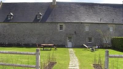 la-facade-nord-hotellerie-abbaye