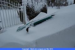 04-ci-que-les-demoiselles-retrouvent-leur-voiture-enfouie-sous-la-neige