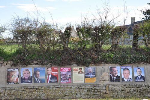 affiche des panneaux de longues sur mer pour les élections présidentielles