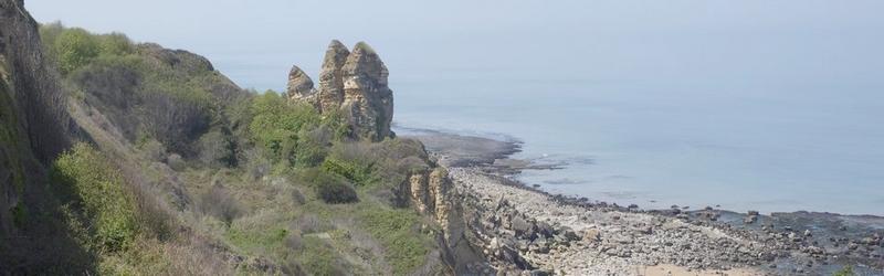 slider12-les-fameux-rochers-de-Longues-sur-sur-mer.jpg